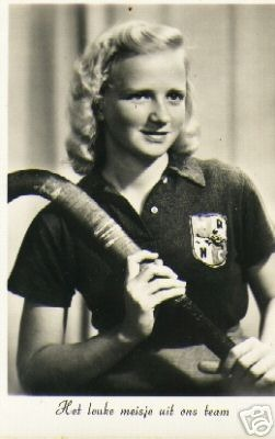 Hockey Goddess 1940s Dutch