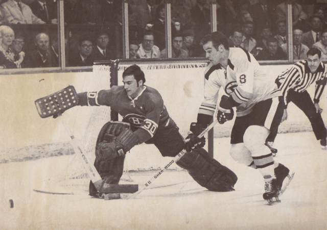 Montreal Canadiens Rogie Vachon & Boston Bruins Ken Hodge 1969