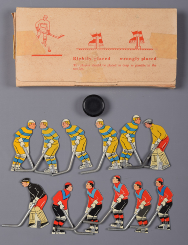 Cresta Table Top Hockey Game Players 1950s