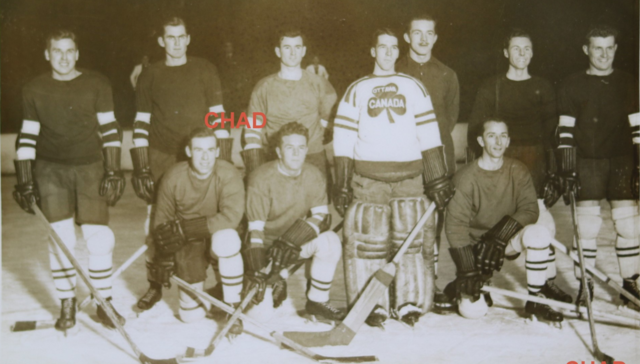 Ottawa Shamrocks Team Photo in practice jerseys 1934