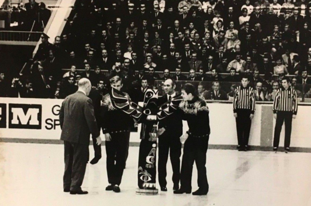 The Totem Pole presented before game 8 of the 1972 Summit Series in Moscow