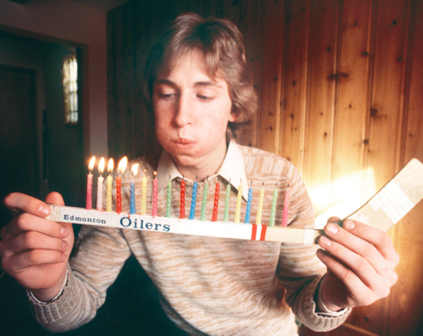 Wayne Gretzky Birthday 18 Candles on Edmonton Oilers Mini Stick 1979