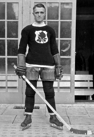 "Percy ""Puss"" Traub 1926 Portland Rosebuds - Western Hockey League / WHL"