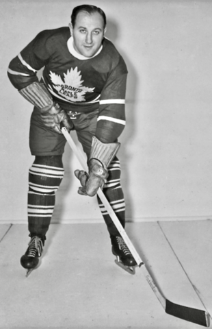"Dave ""Sweeney"" Schriner 1940 Toronto Maple Leafs - Sweeney Schriner Biography"
