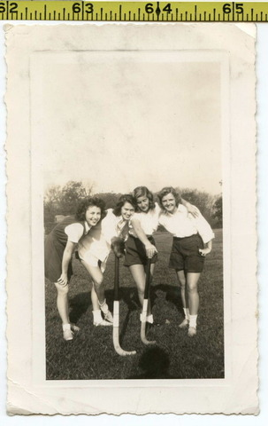 Field Hockey Goddesses Photo 1945