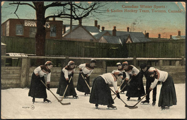 Hockey Postcard 1910 Ladies