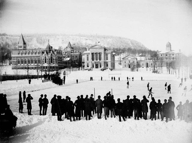 Oldest photo of a ice Hockey Game Montreal Winter Carnival 1884