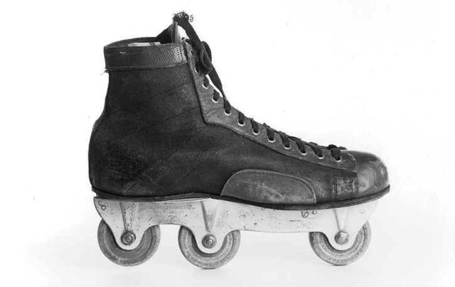 Inline Hockey Skate - 1910