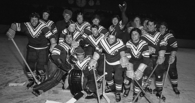 1956 Winter Olympics Hockey Champions - Soviet Union / USSR Team