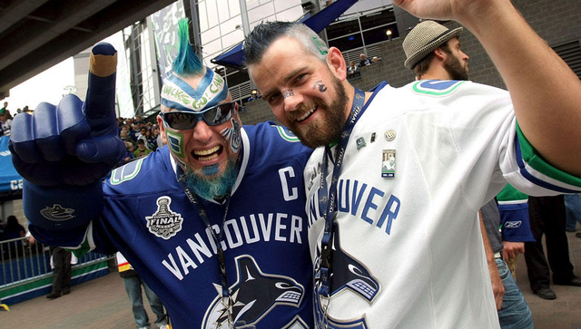 Vancouver Canucks Fans with Face Paint 1