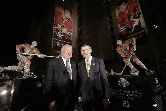 Bobby Hull & Stan Mikita in front of their Bronze Statues