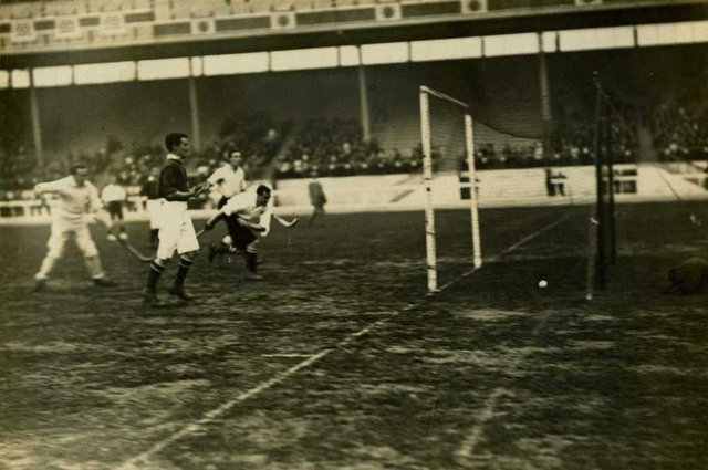 Olympic Games Hockey Action in 1908 London, England -4