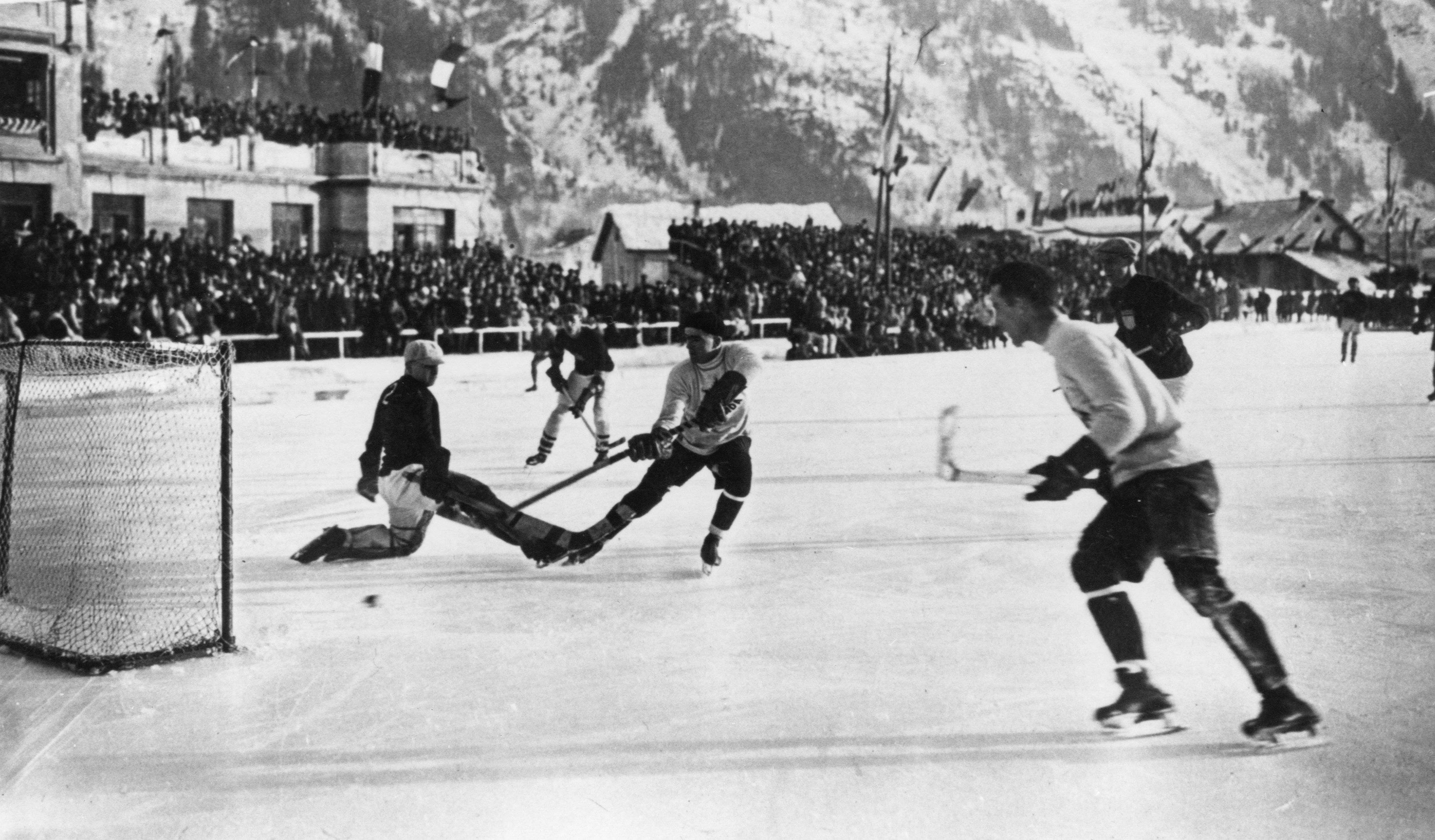 Canada Amp Usa In Gold Medal Game Action 1924 Winter