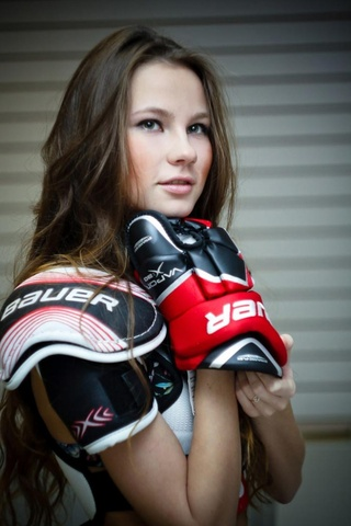 Hockey Goddess Try's On Some New Gear