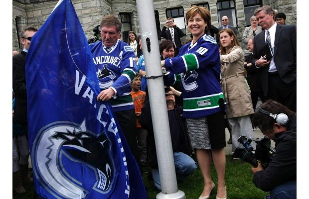Premier Christy Clark & Speaker Bill Barisoff Raise Canucks Flag