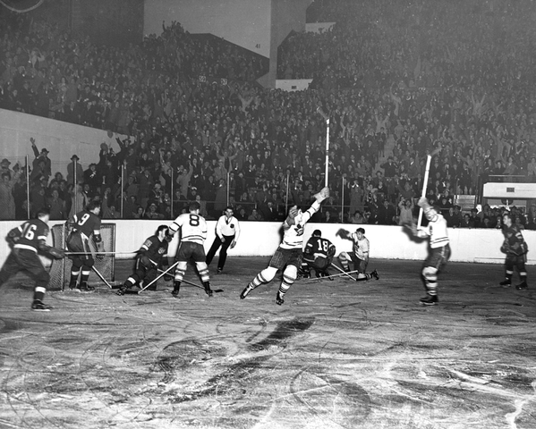 Toronto Maple Leafs Score a Goal vs Detroit Red Wings 1942