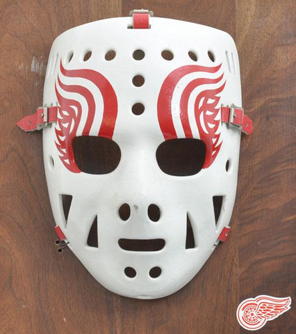Old fashioned hockey mask Mask - Funerary and commemorative uses m