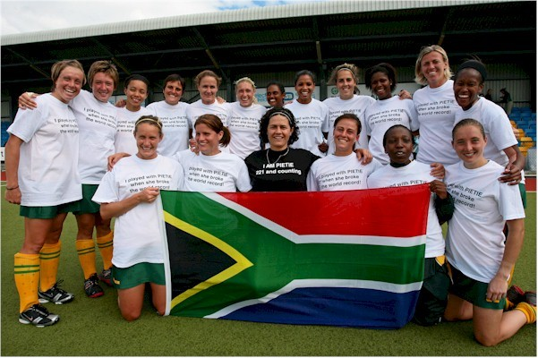 The Investec South Africa Hockey Team with Pietie Coetzee - 2011