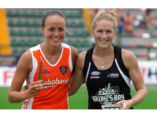 Maartje Paumen & Stacey Michelsen - 2011 FIH Players of the Year