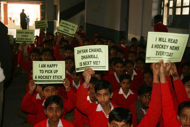Field Hockey - Students in India Show Support off the Field