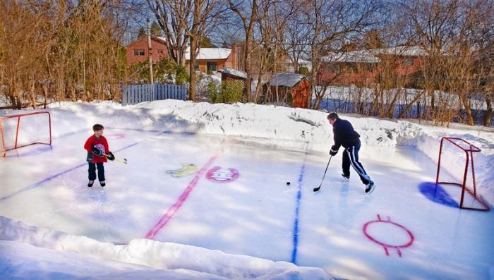 Backyard Rink At The Fizet Home In Baie D Urf 233 Quebec