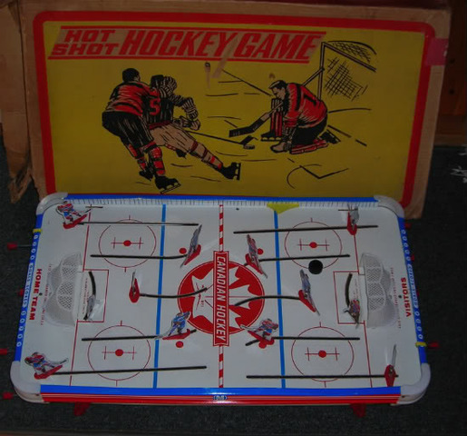 Munro Table Hockey Game - Hot Shot - circa 1967