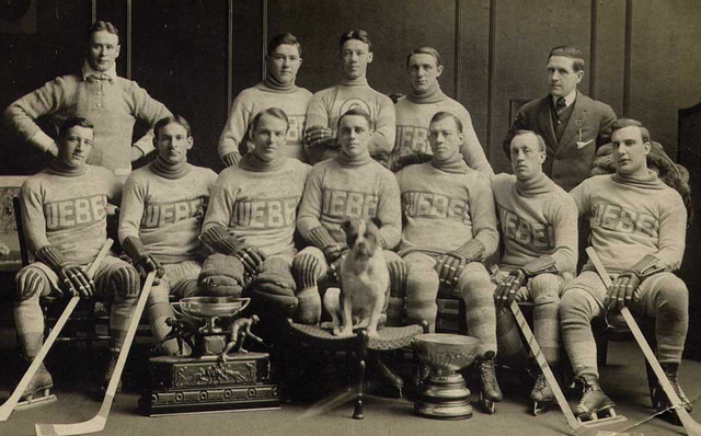 Quebec Bulldogs - Stanley Cup Champions / O Brien Trophy - 1913