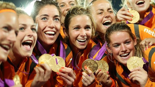Golden Smiles - Dutch - Olympic Field Hockey Champions - 2012