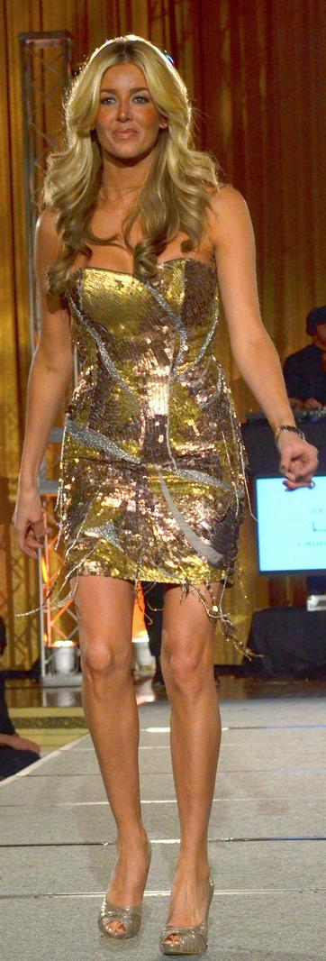 lauren pronger - flyers wives fashion show