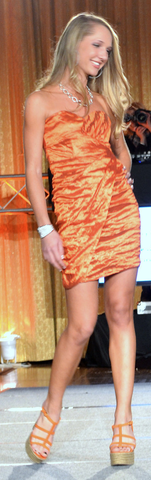 Shallyn Hatcher = Flyers Wives Fashion Show