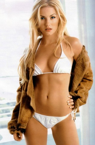 Ice Hockey - Wives/Girlfriends - Elisha Cuthbert