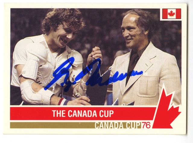 Canada Cup Hockey Card - 1976 - Signed by Prime Minister Trudeau