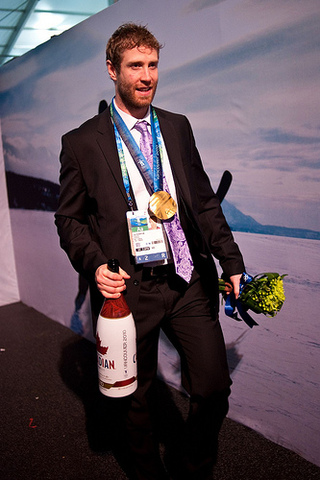 Joe Thornton - Molson Canadian Champagne Bottle & Olympic Gold