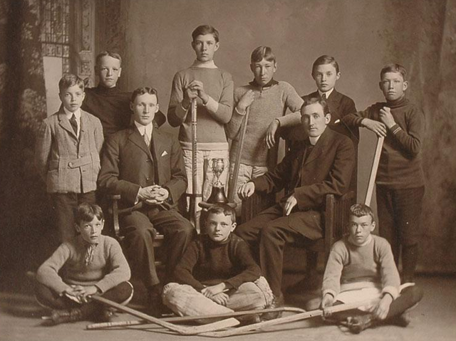 St Marys - Juvenile Champions -  Kingston - Ontario - 1910