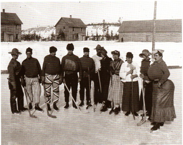 North-West Mounted Police - Drag Queen Game - Yukon - 1902