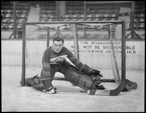 Tiny Thompson - Cecil Ralph Thompson - Boston Bruins - 1930