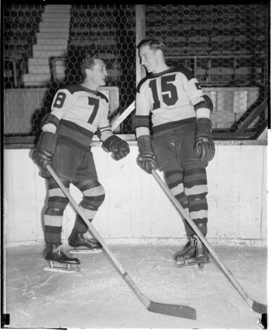 Boston Bruins - Cooney Weiland & Milt Schmidt - 1937