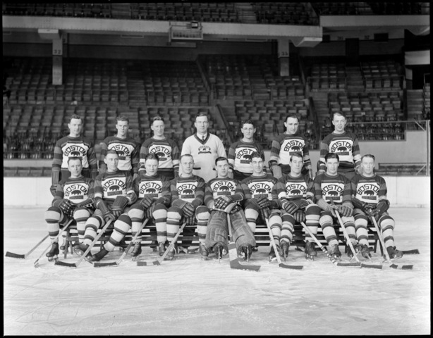 Boston Bruins - Team Photo - Boston Garden - 1930-31