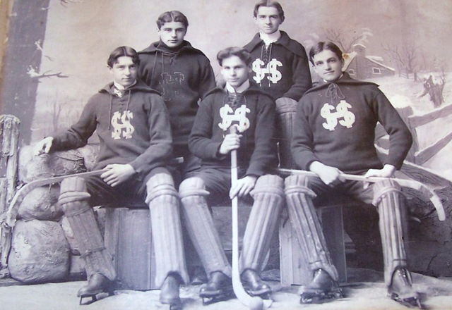 Ice Polo / Bandy /Bandy-Ball Team - Late 1800s