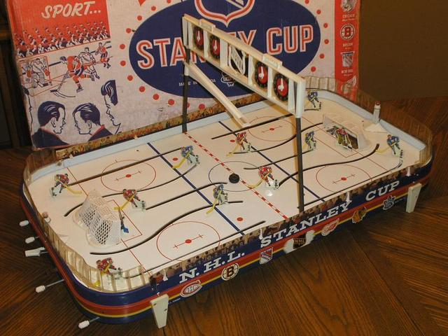 Eagle Toys - NHL - Stanley Cup - Table Top Hockey Game - 1965