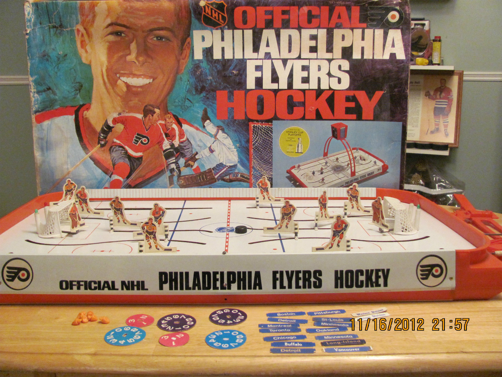 Vintage 1960's Coleco Eagle Hockey Table Top Rod Hockey ...