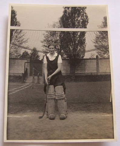 Antique Hockey Goalie Danmark Women 1933 Hockeygods
