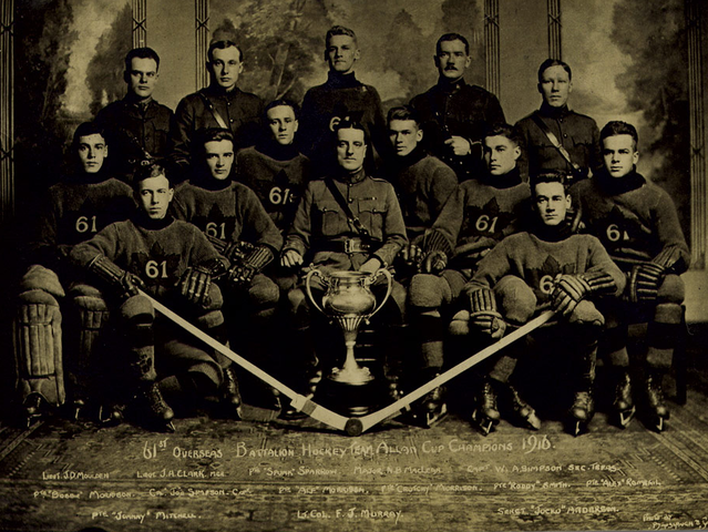 61st Overseas Battalion - Allan Cup Champions 1916 - Postcard