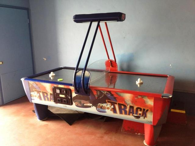 Vintage Air Hockey Table / Game - Coin Operated