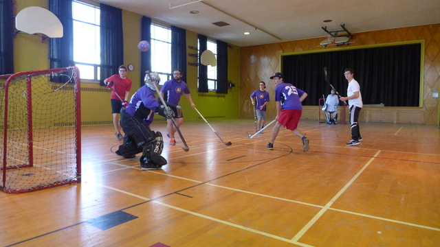 Gym Hockey Tournoi de hockey cosom au centre LeMoyne d'Iberville