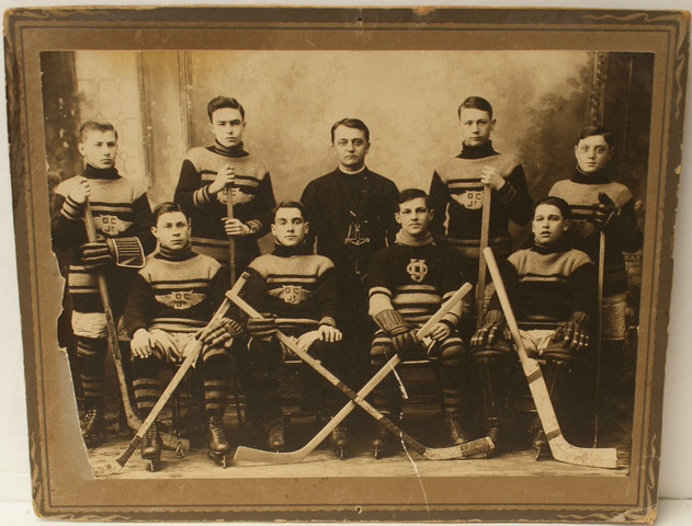 Antique Ice Hockey Team - O C Jr - 1917