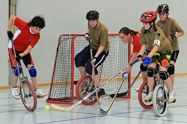 Unicycle Hockey - Teenagers playing in Switzerland - 2010