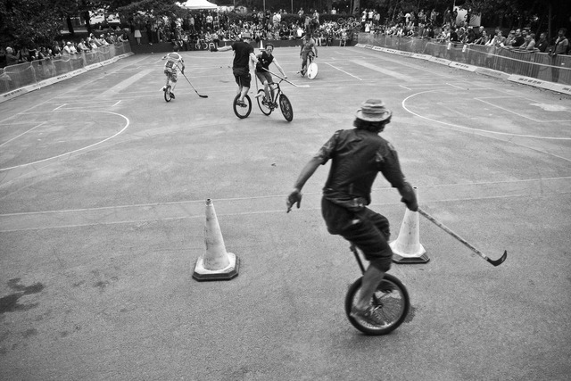 Unicycle Hockey vs Bike Polo - 2008 - London - England
